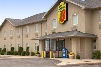 Exterior of Super 8 Hagerstown/Halfway Area hotel in Hagerstown, Maryland