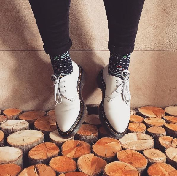 Docs and Socks: the 1461 Virginia shoe in white. Shared by ungnugn.