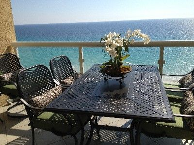 Emerald Isle at its BEST! Luxury Condo Beach Chair Service!!, Pensacola Beach, Florida, United States