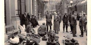 """Fotografii istorice, descoperite în arhiva unui colecţionar: gara din Băile Herculane, """"cucerită"""" de nemţi"""