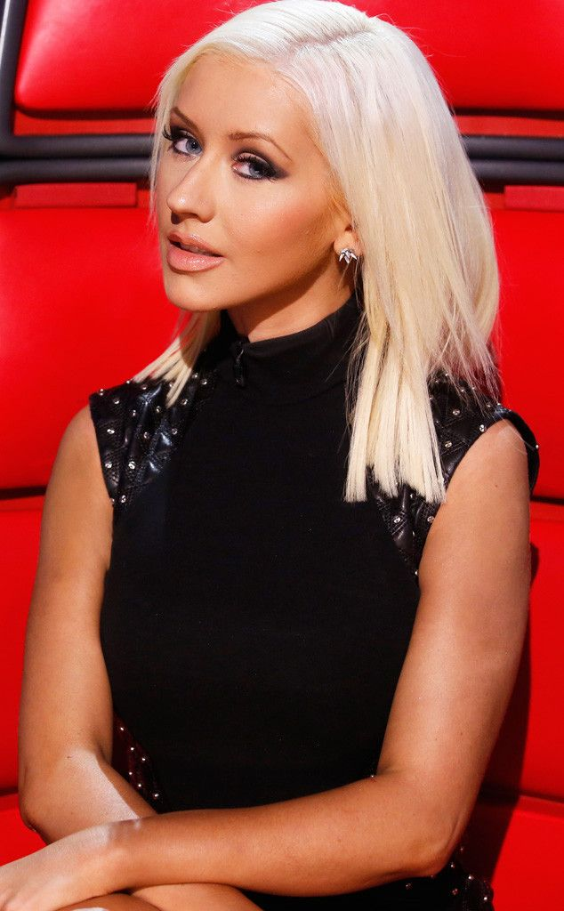 Christina Aguilera Shows Off Slim Body, Understated Makeover on The Voice   E! Online Mobile