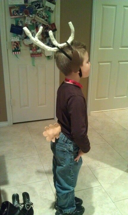 max antler from the grinch | Grinch Day...used foil wrapped with masking tape to create Max the dog ...