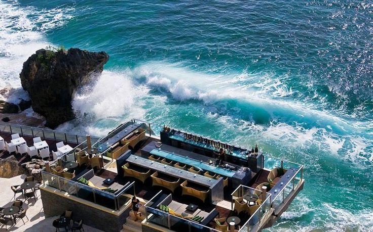 8 Restoran di Bali dengan Pemandangan Alam yang Indah