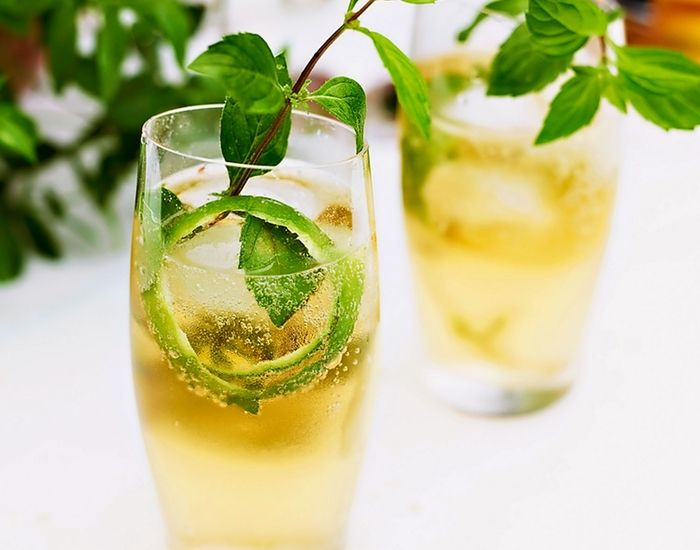 Prøv denne forfriskende drinken med ingefærøl i sommervarmen