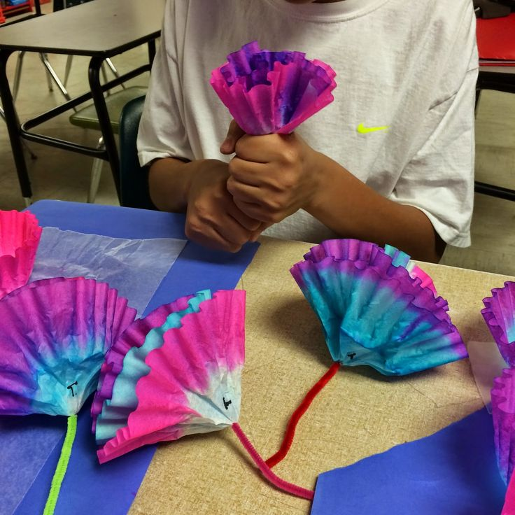 A simple little project that was not only fun, but also therapeutic!!!   Supplies:  1. Coffee filters (about 30 per kid)  2. Food colorin...