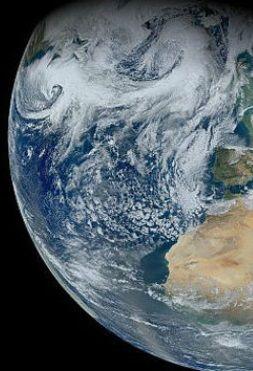 Ziemia obraca się coraz wolniej. Przez globalne ocieplenie - http://tvnmeteo.tvn24.pl/informacje-pogoda/nauka,2191/ziemia-obraca-sie-coraz-wolniej-przez-globalne-ocieplenie,188206,1,0.html