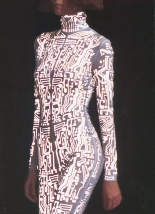 givenchy by alexander mcqueen autumn/winter 1999-00 ...
