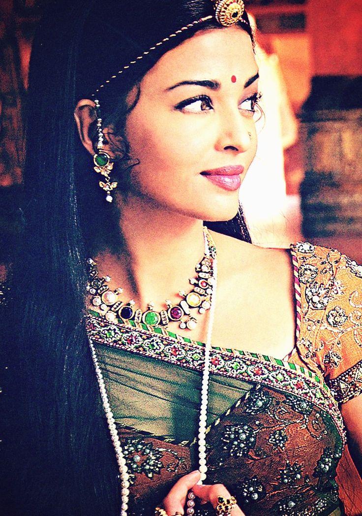 Aishwarya as Rajput (Rajasthan) Princess Jodha in Jodha-Akbar