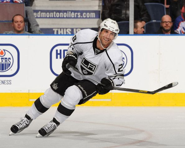 jarret stoll 28 of the los angeles kings
