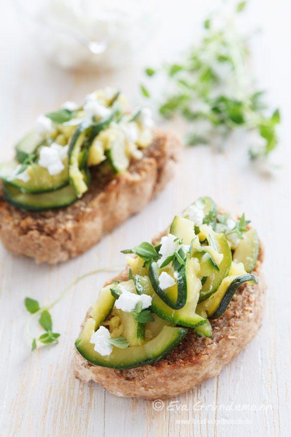 Zucchini Bruschetta | food-vegetarisch.de