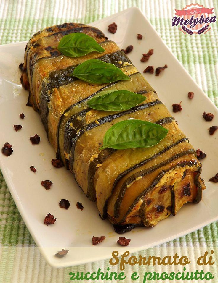 Lo sformato di zucchine e prosciutto è un piatto leggero, gustosissimo e di semplicissima realizzazione. Preparatelo e farete un figurone!
