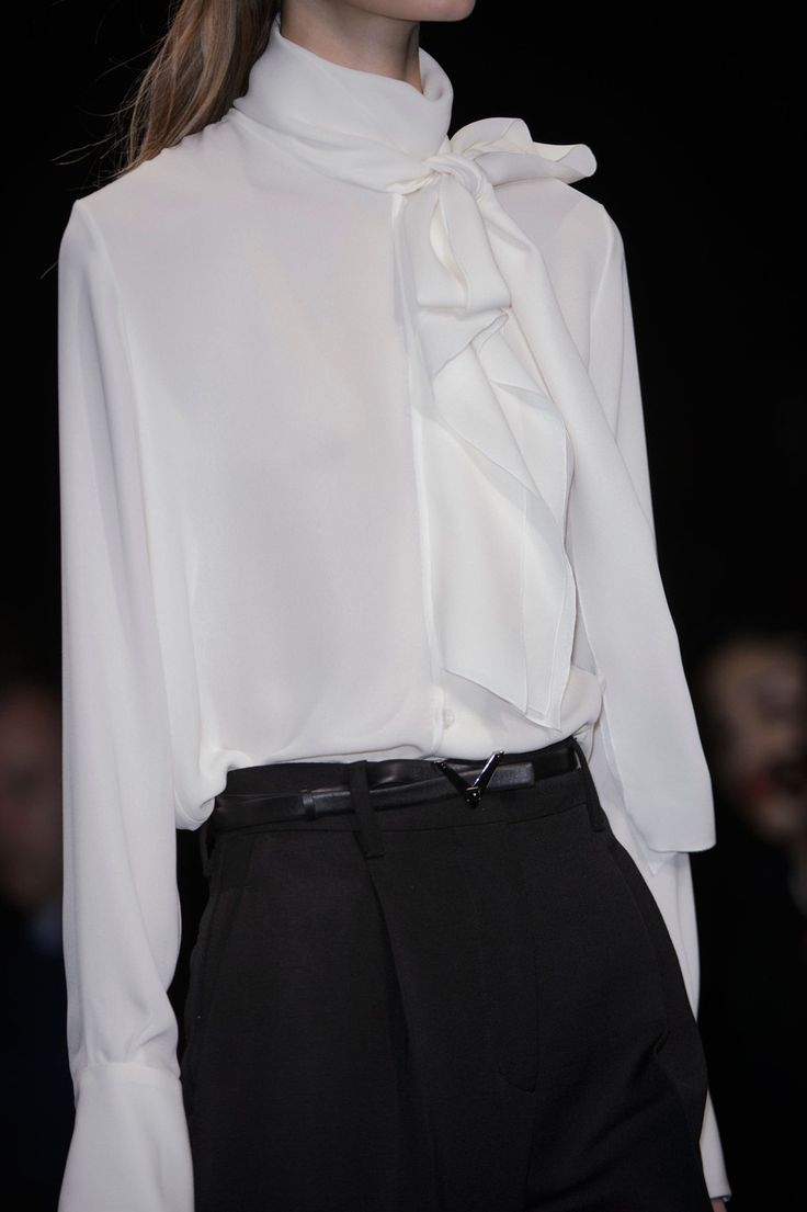 Blouses With Bows At Neck