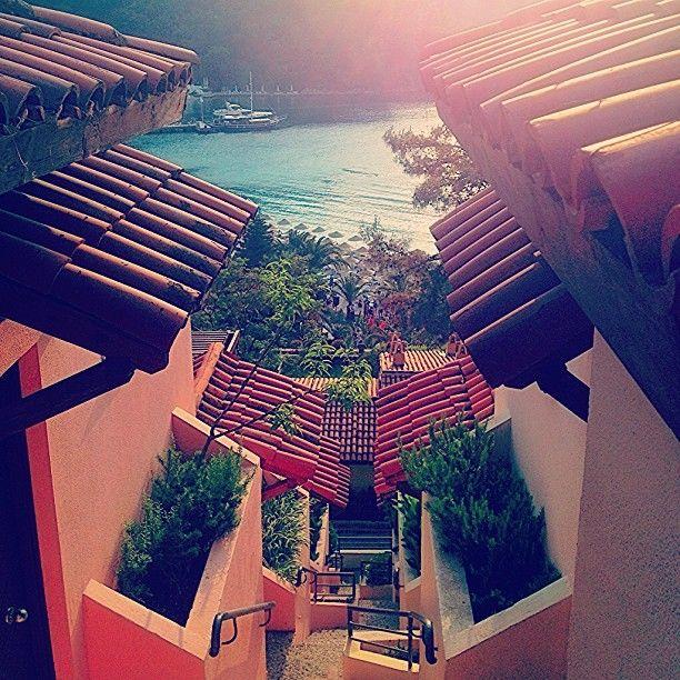 A dreamland hillside beach club fethiye turkey turkey for Cube suites istanbul