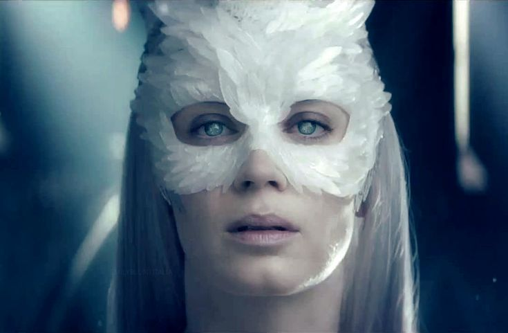 A look at the Snow Queen, Emily Blunt feather owl mask from the trailer. From Queen of Blunts | Tumblr