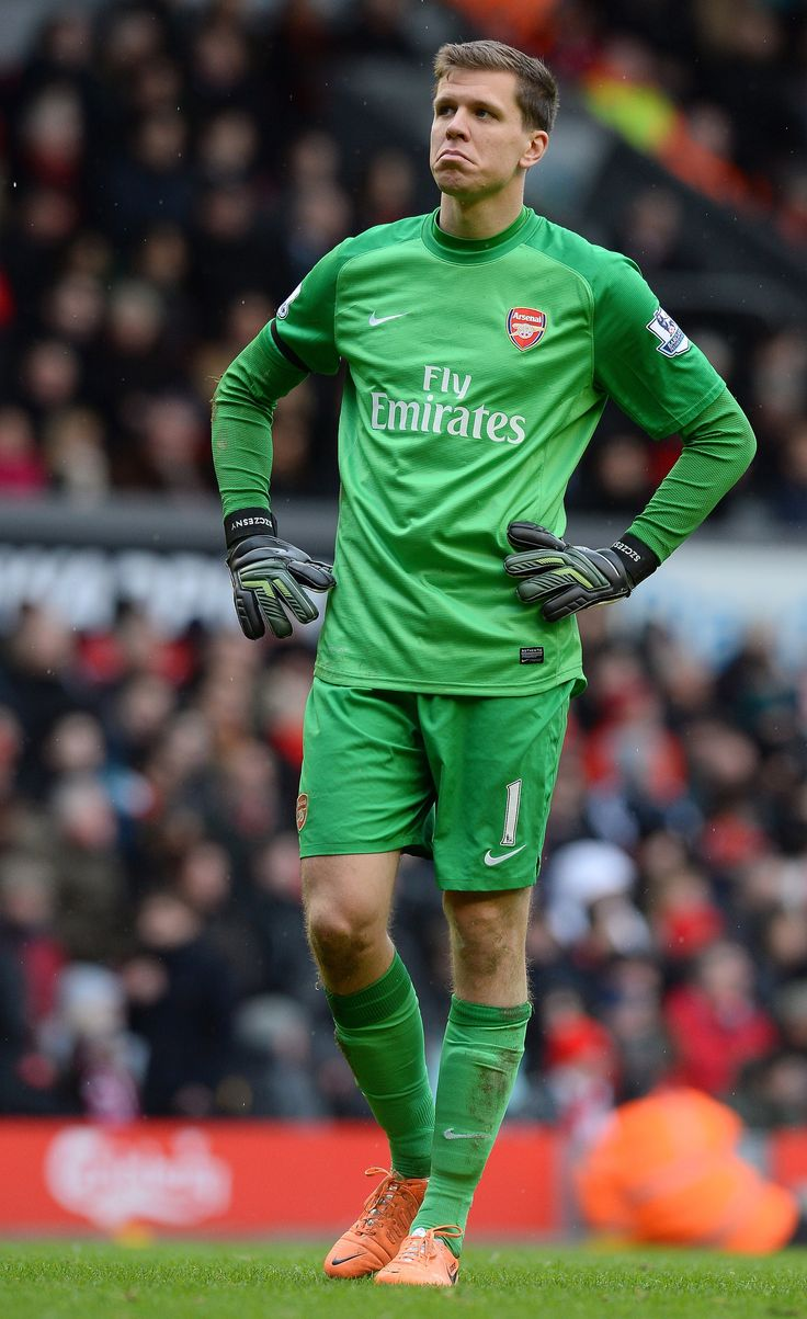 Wojciech Szczesny of Arsenal FC against Liverpool FC