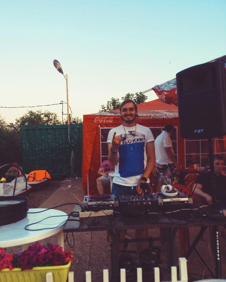 Крутой вечерок на #карьере  спасибо @maxbubnov за прекрасную возможность  кстати если кто знает там была девчонка с тату на ноге в виде змеи - хотим афтора спросить - отмете или дайте контакт!! #Ableton #artist #dj #kolyann #ipad #touchable #imini #lemur #arturia #novation #apple #macbookpro #launchpad #launchpadpro #nocturn #traktor #audiointerface #performance #skull kol'yann