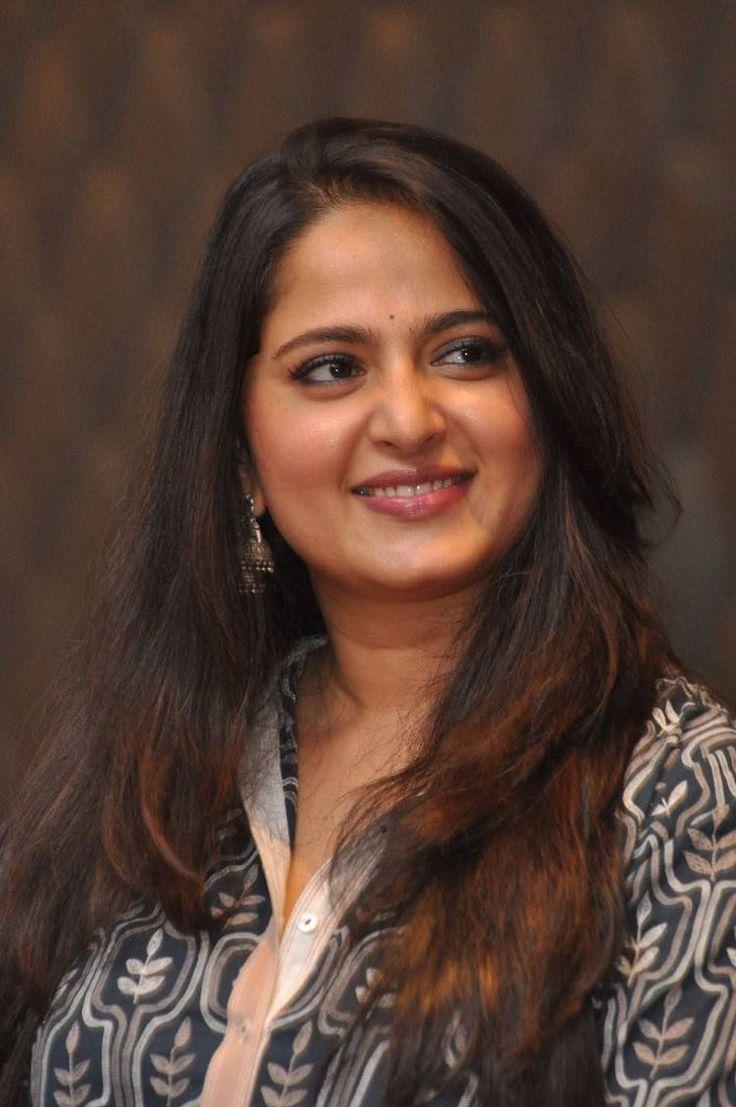 Anushka Stills at Rudhramadevi Movie Promotion - Anushka Shetty