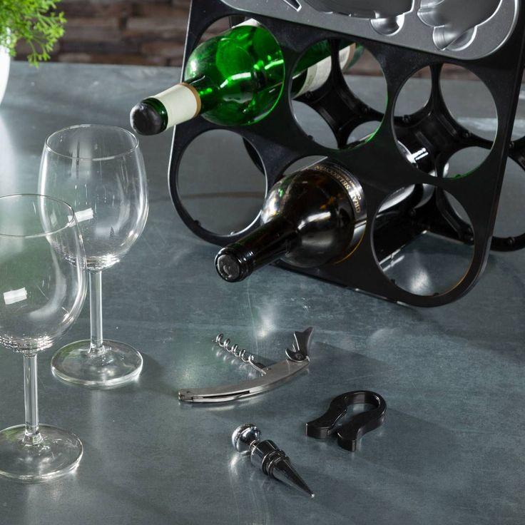 Mit Korkenzieher, Flaschenverschluss und Flaschenöffner ist der Weinständer ein Rundum-Sorglos-Paket!