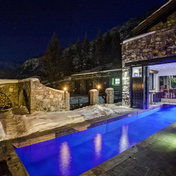 Chalet Himalaya/ Toit du Monde/ Domain Toit du Monde ski in/ ski out, swim in/ swim out chalets in Val d'Isere, France.  http://bit.ly/2da8brK #luxurytravel #ski #vacantainfranta