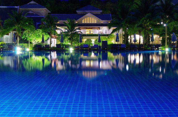 47 best jardin images on pinterest pomegranates pool for Construccion de piscinas en granada