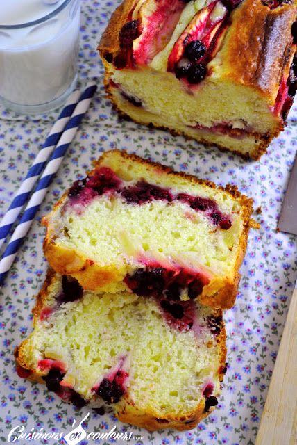 Cake aux pommes et au fruits rouges