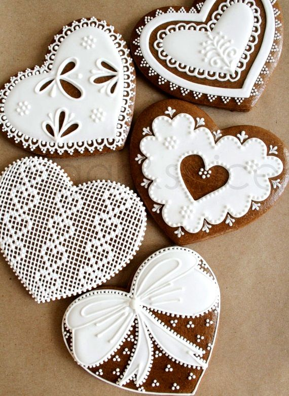 #Christmas #cookies gingerbread hearts ToniK ℬe Meℜℜy DIY #crafts beautiful!