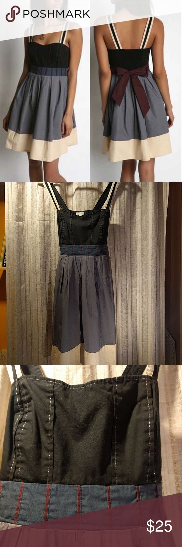 Silence + Noise Color Block Sleeveless Dress Fit & Flare dress, sleeveless with tie back waist and scrunchy elastic on back. Metallic silver contrast stitching on bodice. Beautiful dress. Urban Outfitters Dresses Midi