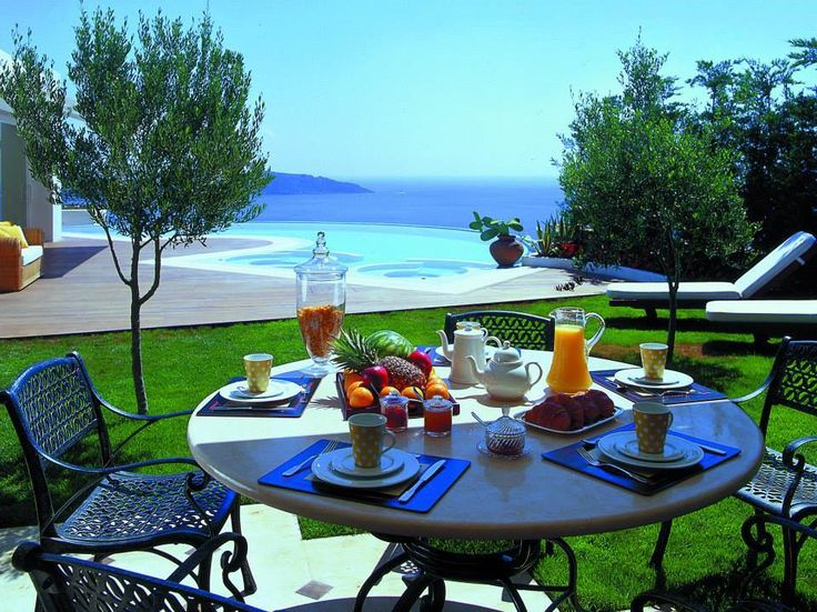 A healthy and complete breakfast is necessary to energize your body. When is combined with such a view, there is no better start for a weekend. photo by littlelobster  #EloundaGulfVillas