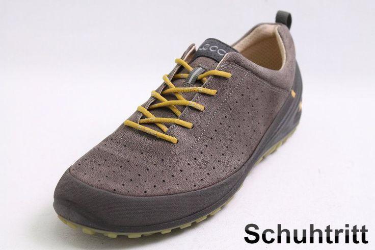 Sportive Ecco Schnürschuhe im modischen grau Farbton gehalten. Diese tollen Ecco Schnürschuhe besitzen eine funktionelle Zuglasche an den Fersen.  Hersteller: Ecco  Modell: Schnürschuhe  Farbe: grau  Obermaterial: Leder  Innenmaterial:...