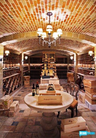 Now THAT is how to do a wine cellar! Bravo! Jeffrey Alan Marks  #jeffreyalanmarks #JAM #Themeaningofhome