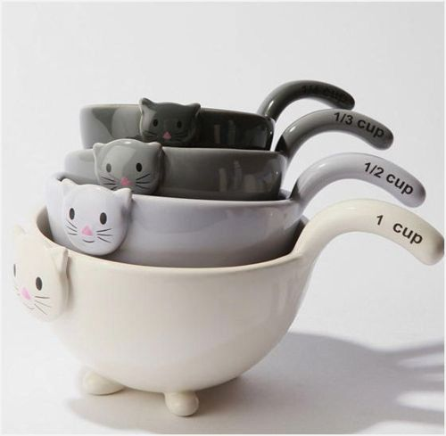 cute #cat measuring cups - Ideal gift for crazy cat people don't you think? _ hint hint - I have a birthday coming up soon.