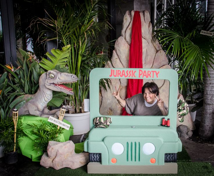 Jurassic Party    Facebook https://www.facebook.com/weddingepartyplanner/?ref=aymt_homepage_panel