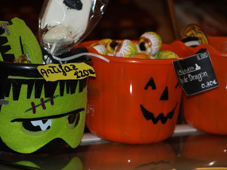 Detalles de Halloween en los puestos del Mercado Central
