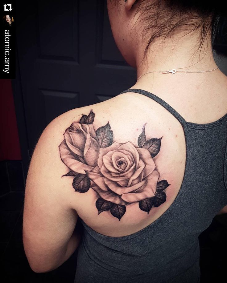 @atomic.amy did these cute black and grey roses today!