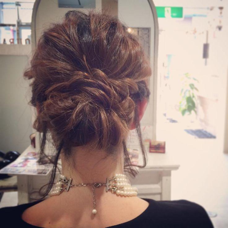 today's hair style☆  ゆるシニヨン☆ .  #ヘアセット #セット #ヘアアレンジ #アレンジ #アップスタイル #シニヨン  #波ウェーブ #ツイスト #ねじねじ #ふわふわ #モフモフ #ヘアアクセサリー #シンプル #結婚式 #ルーズ  #フェミニン #ブライダル #パーティー #二次会 #ありがとう #京都 #京都駅前 #美容室 #t2style #love  #courarir #courarirhair #courarirkyotoekimae #courarirhairkyotoekimae #kyoto