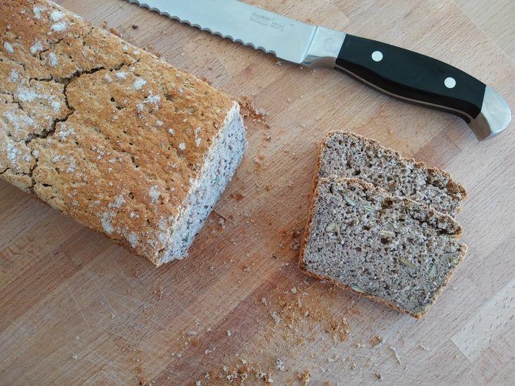 Chleb gryczany z pestkami z dyni