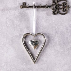 Valentine's decoration.  #dekoria #love #couple #valentines2017 #gift #walentynki #prezent #decoration #home #designer #heart #silver #prezent #dlaniej