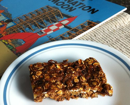 Tuck one or two of these super-healthy oatmeal-raisin bars into a lunch bag. They take just 16 minutes to make and have no cholesterol or added fat. They cost just 35 cents each using organic ingredients.