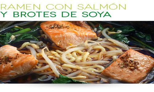 Fideos ramen con salmón y brotes de soya