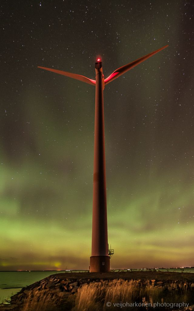 Wind mill with Northern Lights