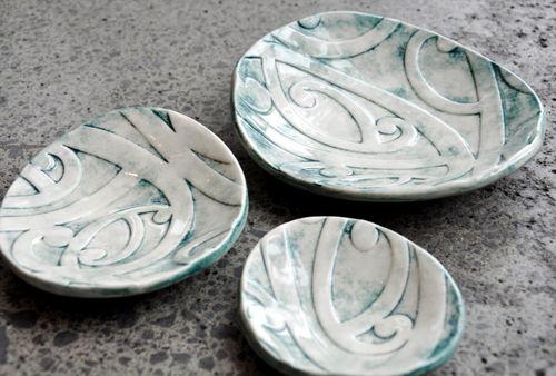 Borrowed Earth Kura Gallery Maori ArtDesign New Zealand Kowhaiwhai Nest Set of 3 Ceramic Dishes