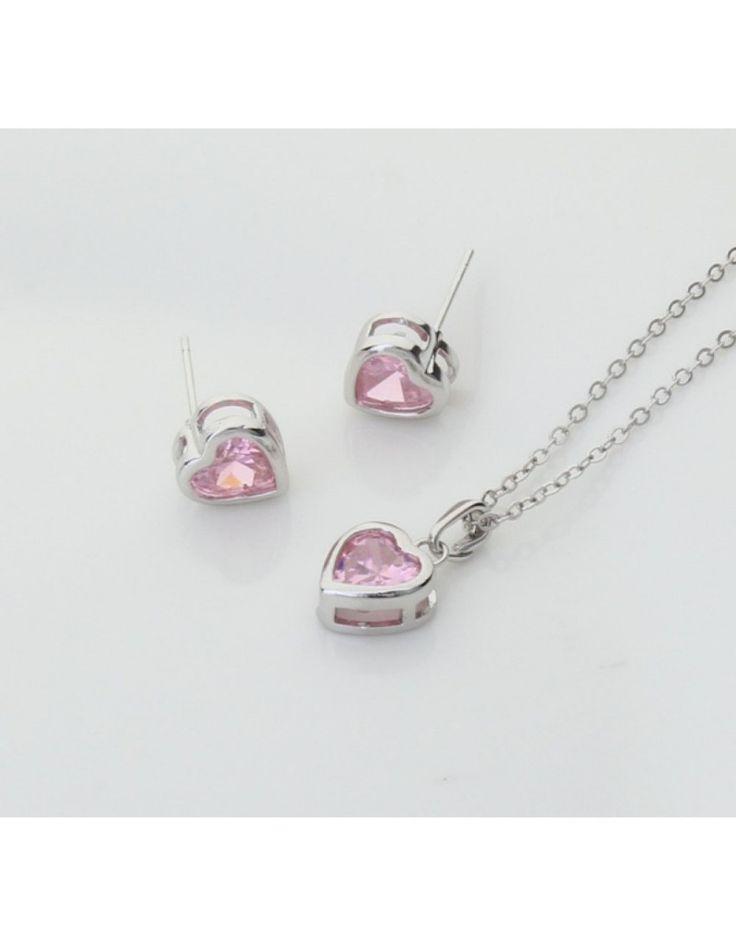 Design muito feminino para uma mulher romântica e elegante! Conjunto de Colar e Brincos, de ródio, decorados com cristais Swarovski, de cor rosa.