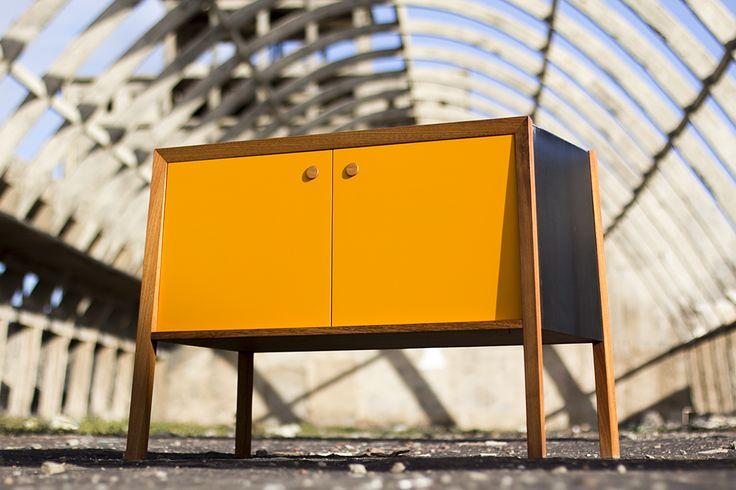 Tróppodo. Consola by TEA maker&design.