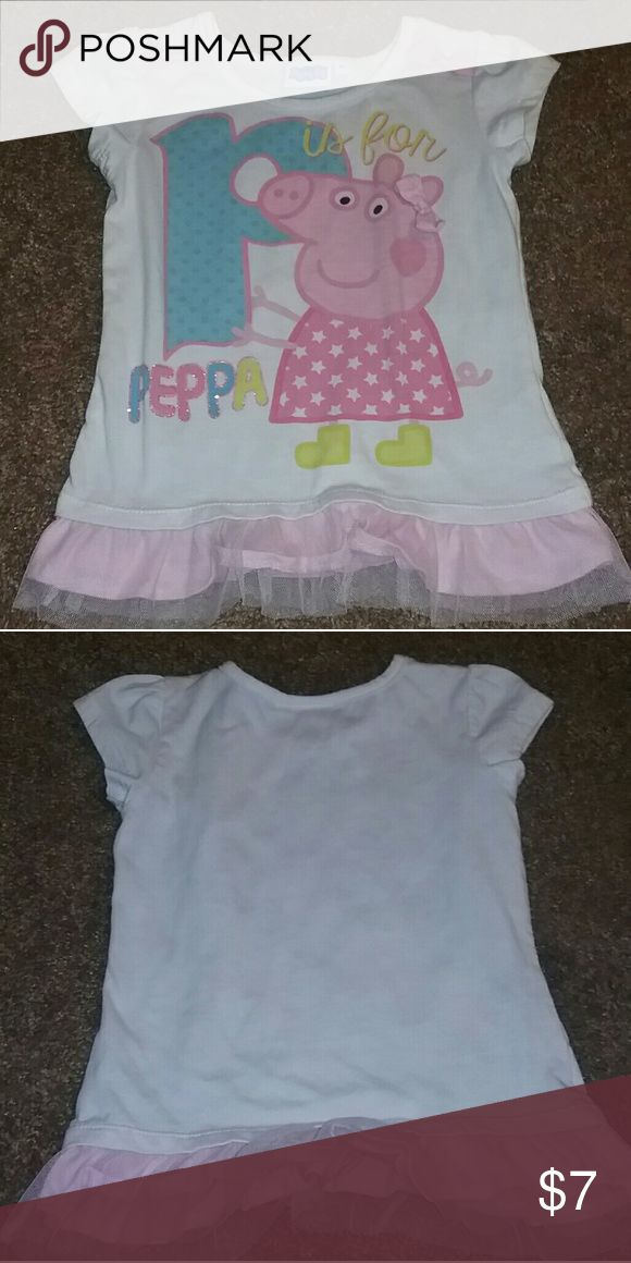 Toddler girls peppa pig shirt It's a girls 3t peppa pig shirt worn 1 time in great condition no holes or stains daughter just out grew it Shirts & Tops Tees - Short Sleeve