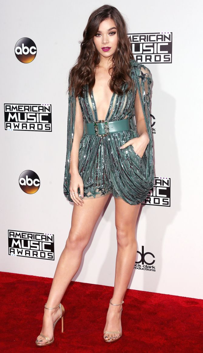 AMAs 2016 Best Dressed on the Red Carpet - Hailee Steinfeld in a green sequin Elie Saab romper
