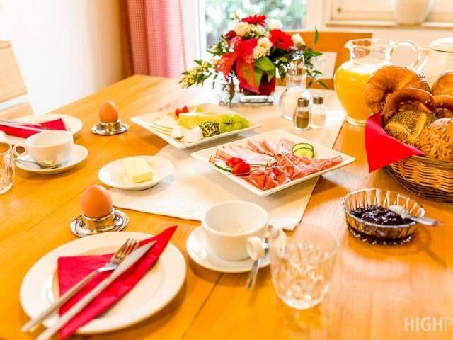Gerne mit Frühstück...beim Bauernhof Hänfling in Weißenohe