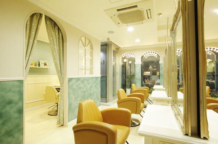 Beauty salon interior design ideas | + hair + space + decor + designs + Tokyo + Japan | Follow us on https://www.facebook.com/TracksGroup <<<【Lond セットエリア】アンティーク 美容室 内装