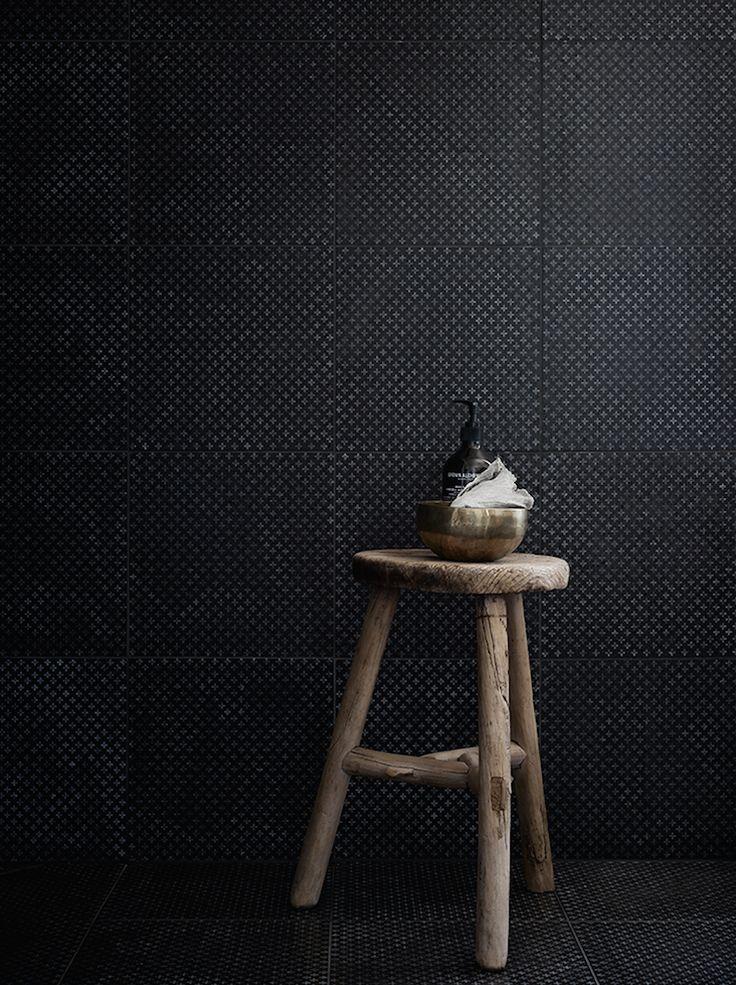 Villa in Gothenburg | dettagli di stile | come aggiungere fascino ad un bagno con uno sgabello di recupero - how to add charm to a bathroom with a recovery stool