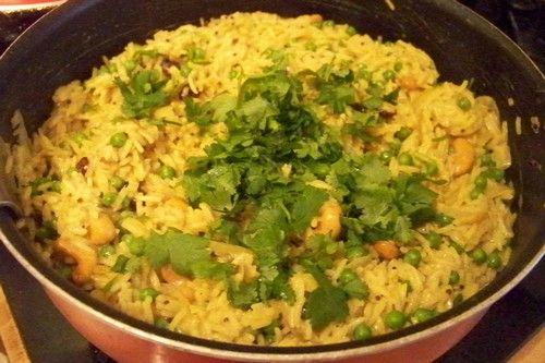 Un délicieux riz préparé aux épices   façon  indienne   il accompagnera agréablement vos grillades   ou plats de curry ou autres recette...