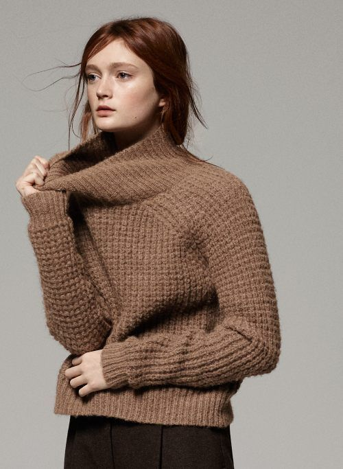 knitGrandeur®: Trend Watch: Chunky Camel Turtleneck